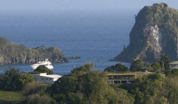 Rocky Cove Yacht